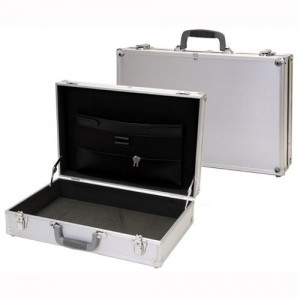 Silver_Aluminum_Tool_Case_20_22_W_converted
